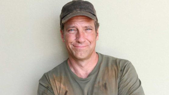 Mike Rowe-Age, Net Worth, Dating, Wife, CNN Series