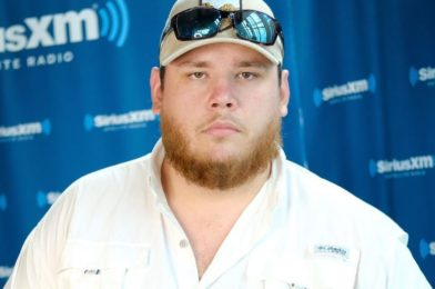 Luke Combs-Net Worth, Age, Height, Children, Songs, Life, Wife