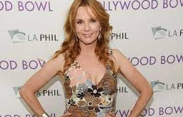 Lea Thompson-Awards, Boyfriend, Height, Net Worth, Movies, Bio, Life