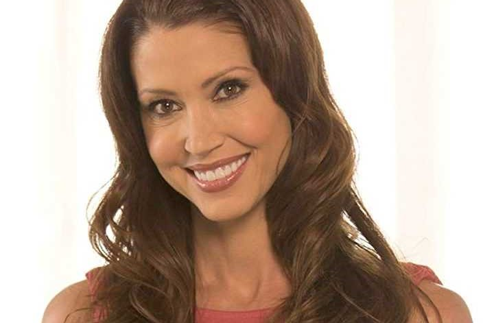 Shannon Elizabeth-Movies, TV Shows, Net Worth, Wife, Kids, Height
